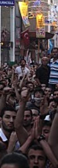 Des centaines de milliers de personnes se sont soulevées en Turquie!